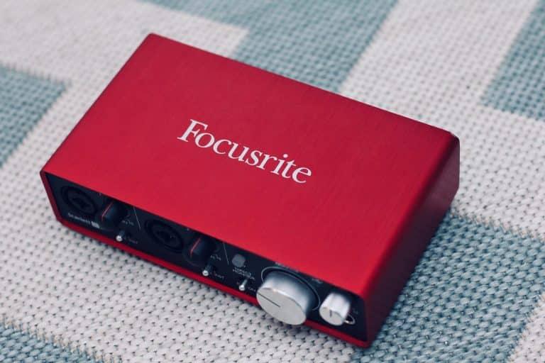 Focusrite Scarlett 2i4 - Mejor sonido gamer